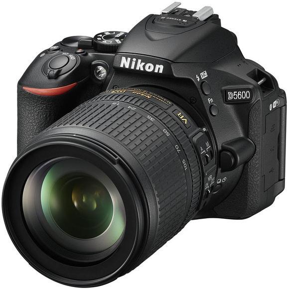 Nikon D5600 + 18-105mm AF-S DX VR  - 1